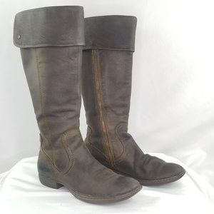 Born Leather Peri Boots in Rustic Brown